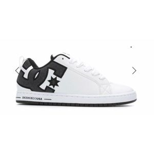NWOT DC Court Graffik Skater Shoe Size 15